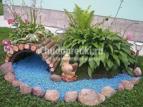 Декоративные украшения для сада своими руками 11
